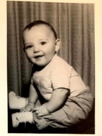 I do look youthful here, way back!