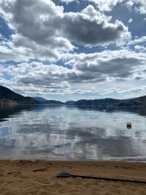 yesterday Skaha lake was ideal for on top with a paddle board, but you may notice the absence of swimmers, too cold yet